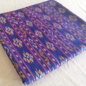 ผ้าไหมมัดหมี่ ลายรัตนบุรี สีม่วงน้ำเงิน